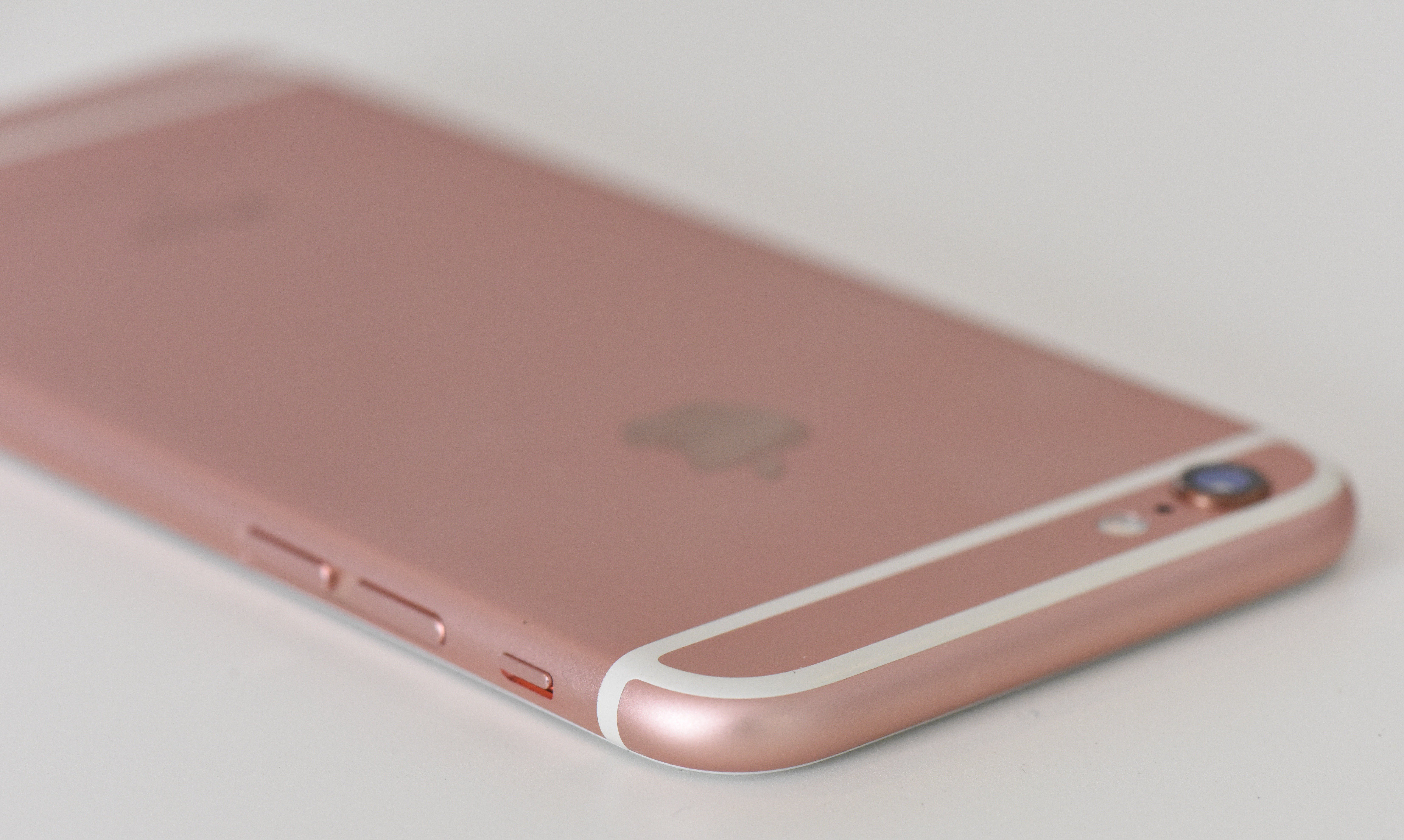 purported iphone 7 rose gold back panel leaks